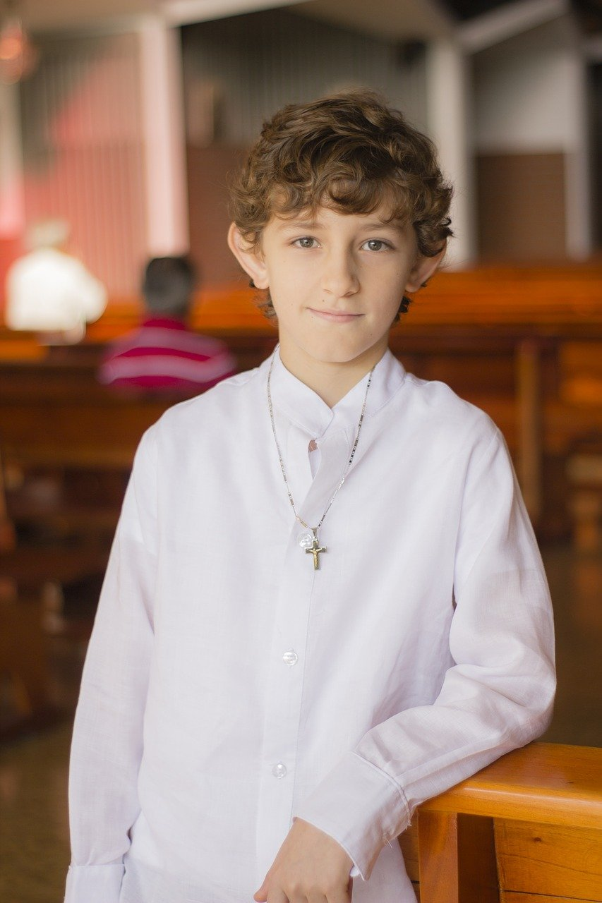 altar-boy-2900206_1280